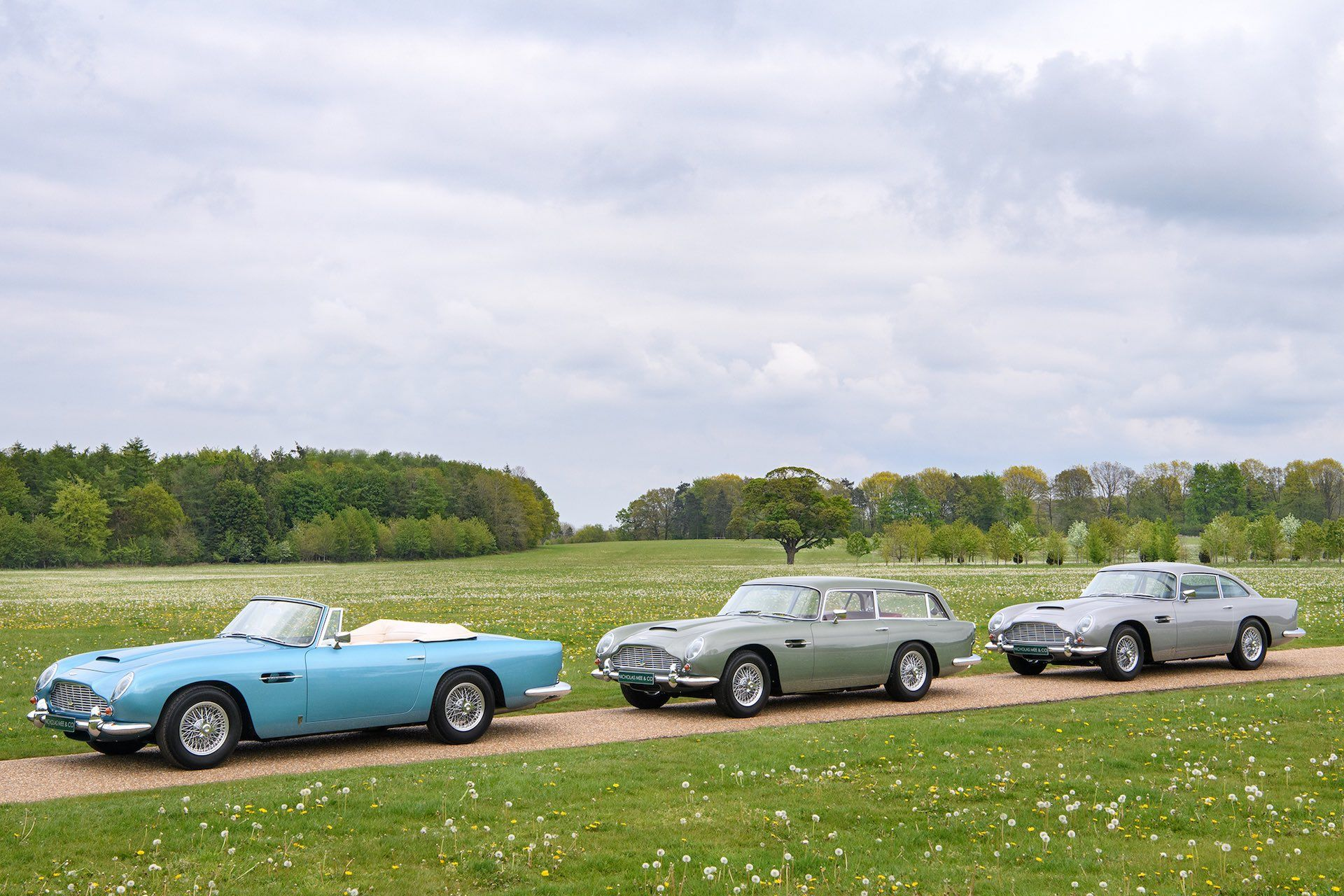Three-Aston-Martin-DB5-4