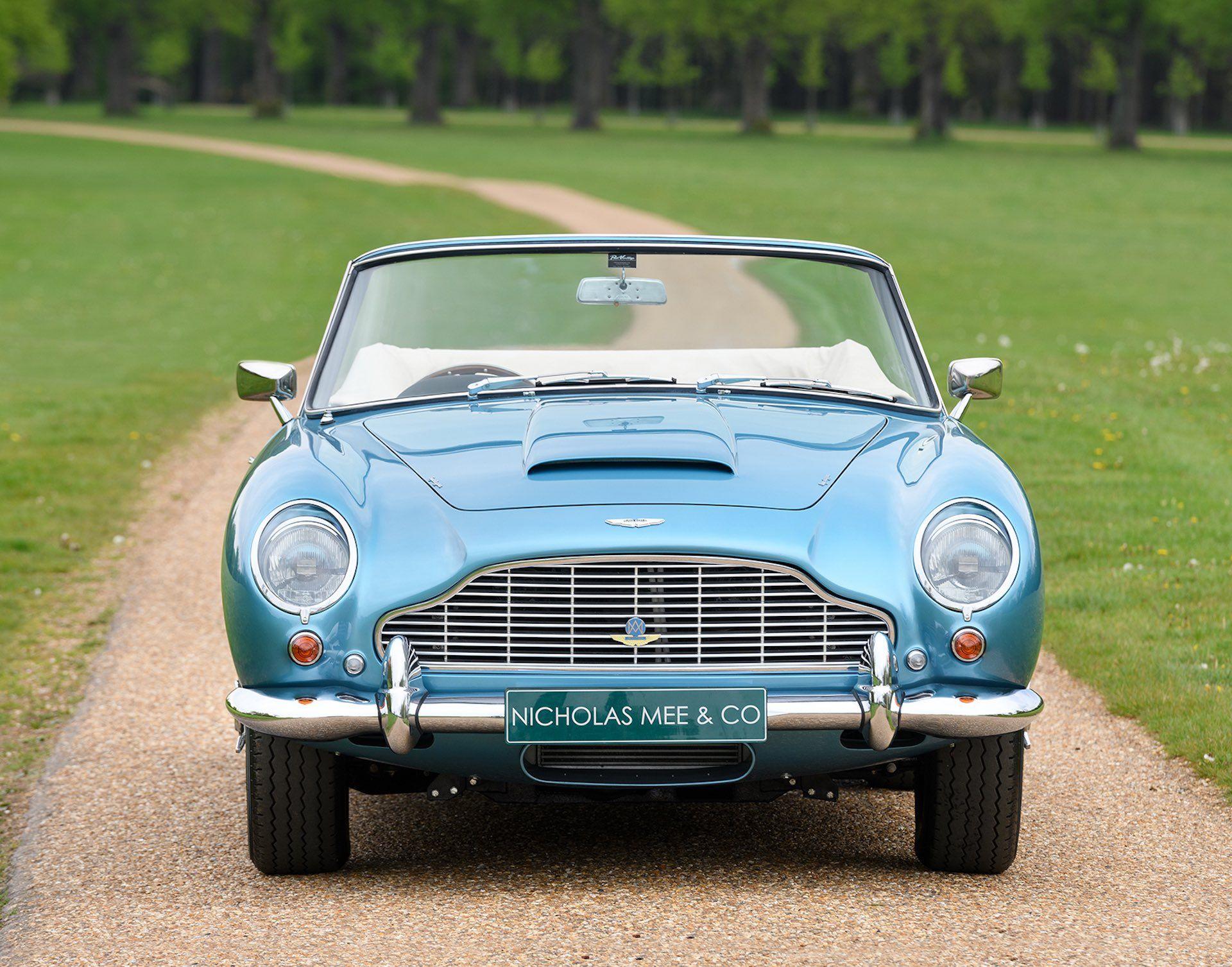 Three-Aston-Martin-DB5-6