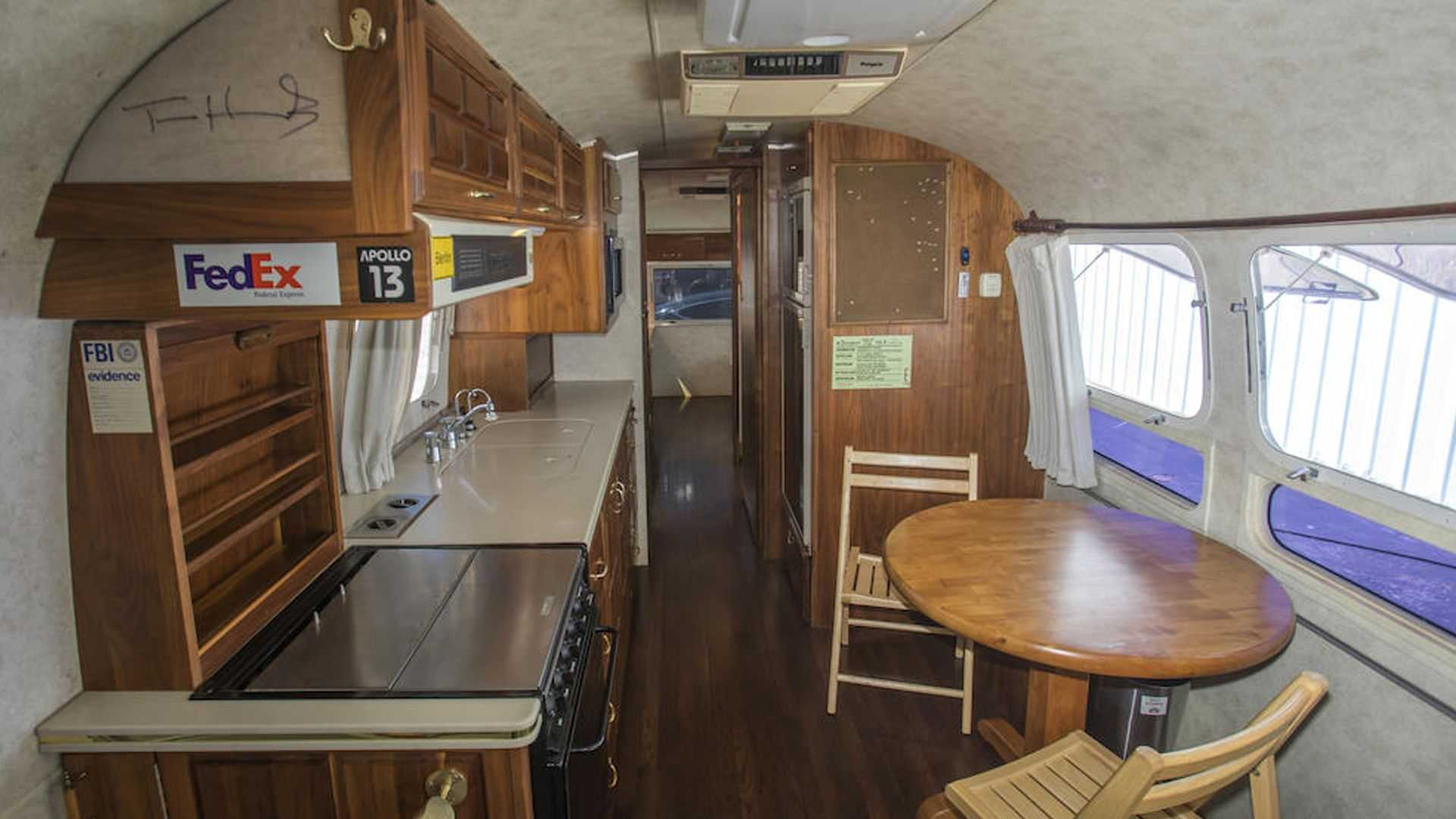Tom-Hanks-Airstream-trailer-for-sale-11