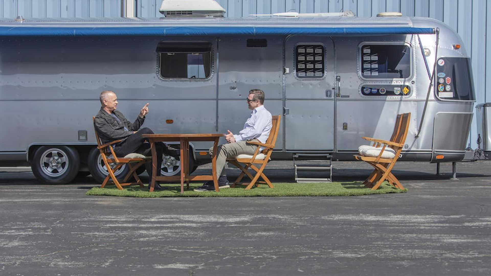 Tom-Hanks-Airstream-trailer-for-sale-4