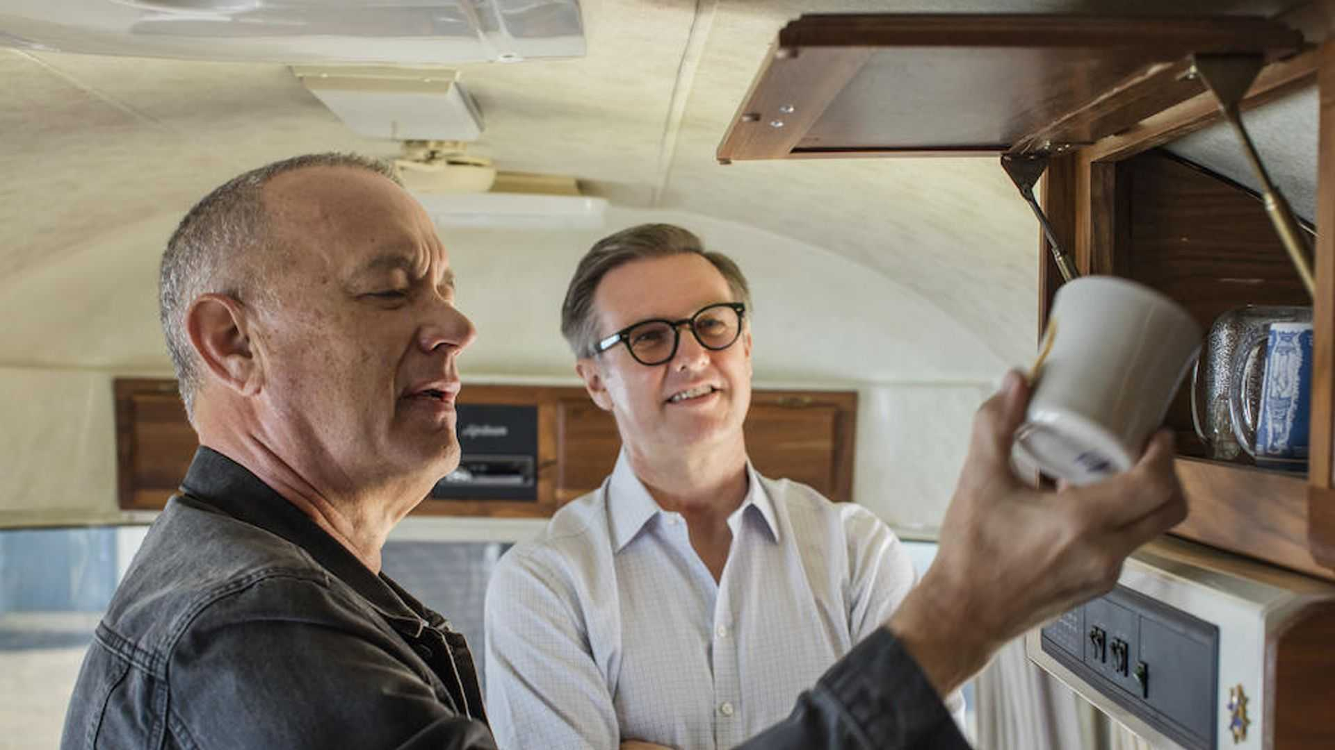 Tom-Hanks-Airstream-trailer-for-sale-5