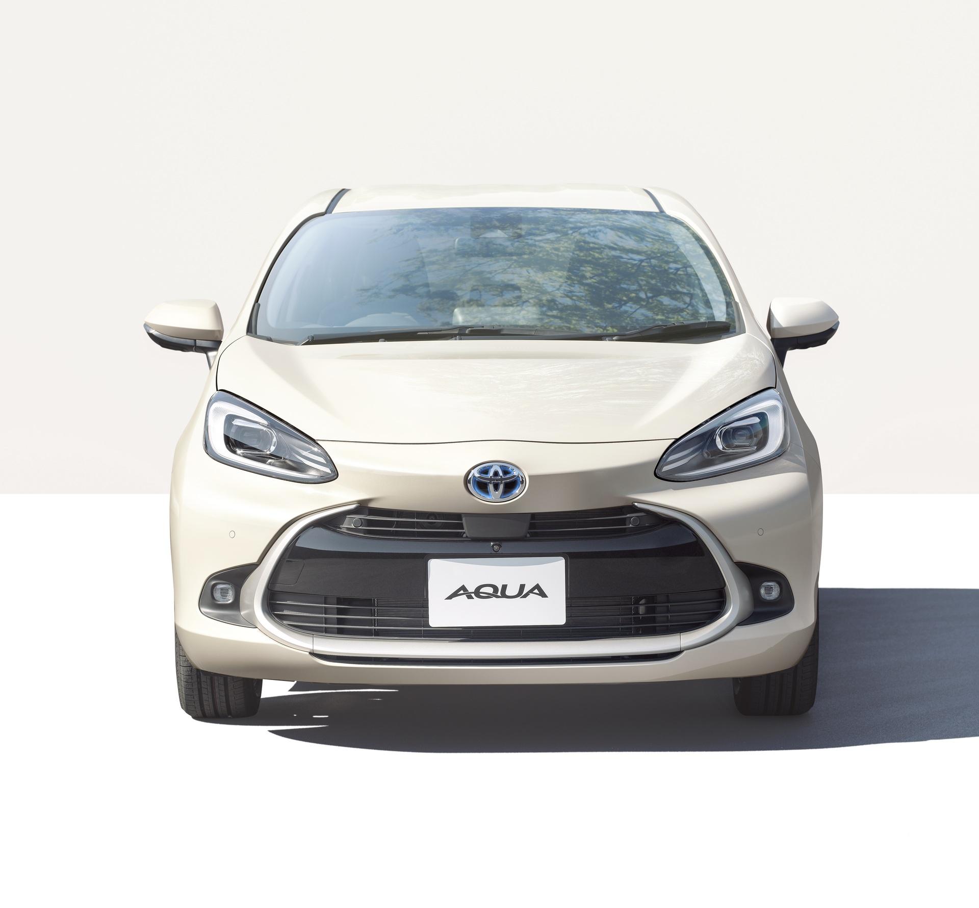 2022-Toyota-Aqua-3