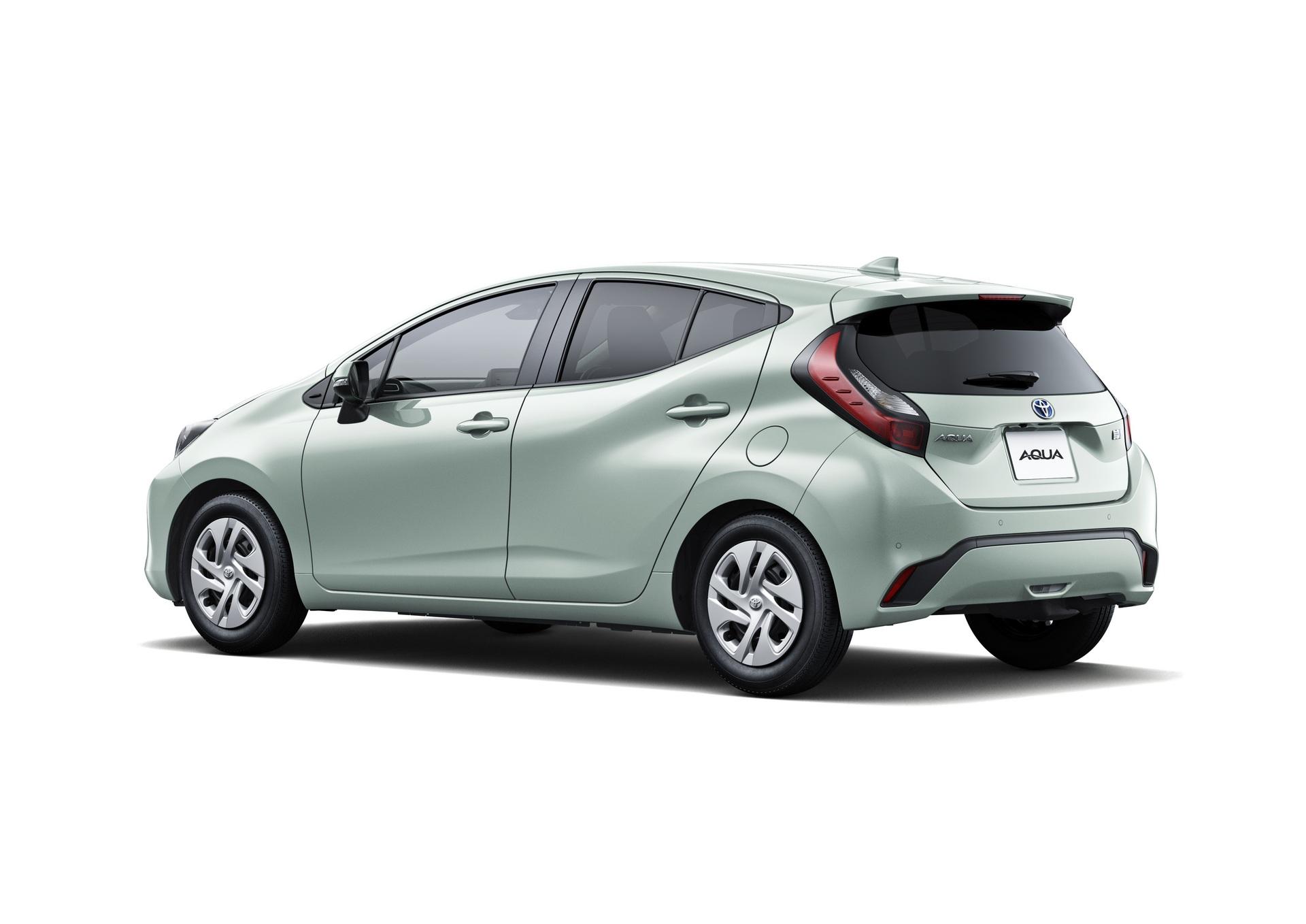 2022-Toyota-Aqua-47