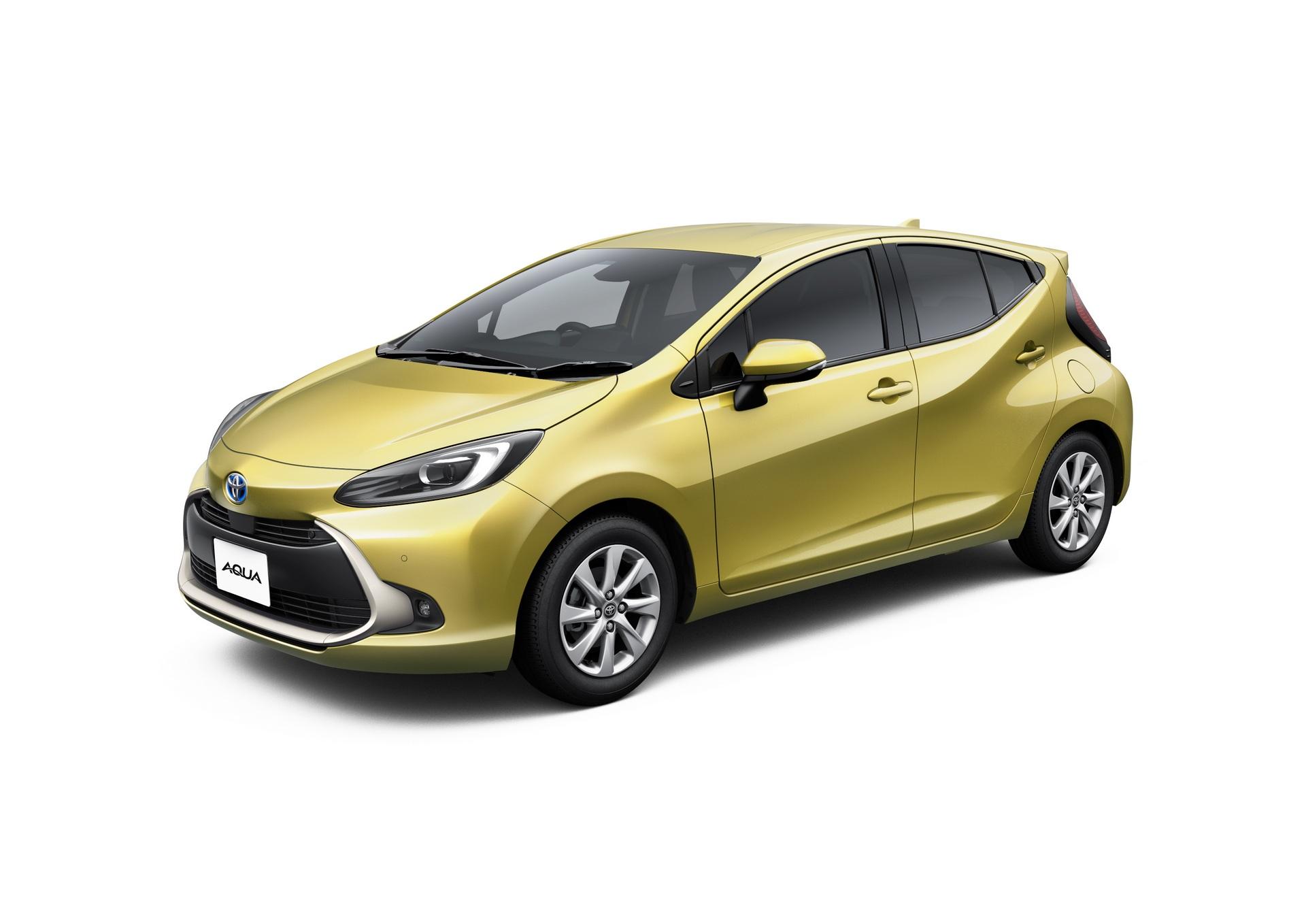 2022-Toyota-Aqua-54