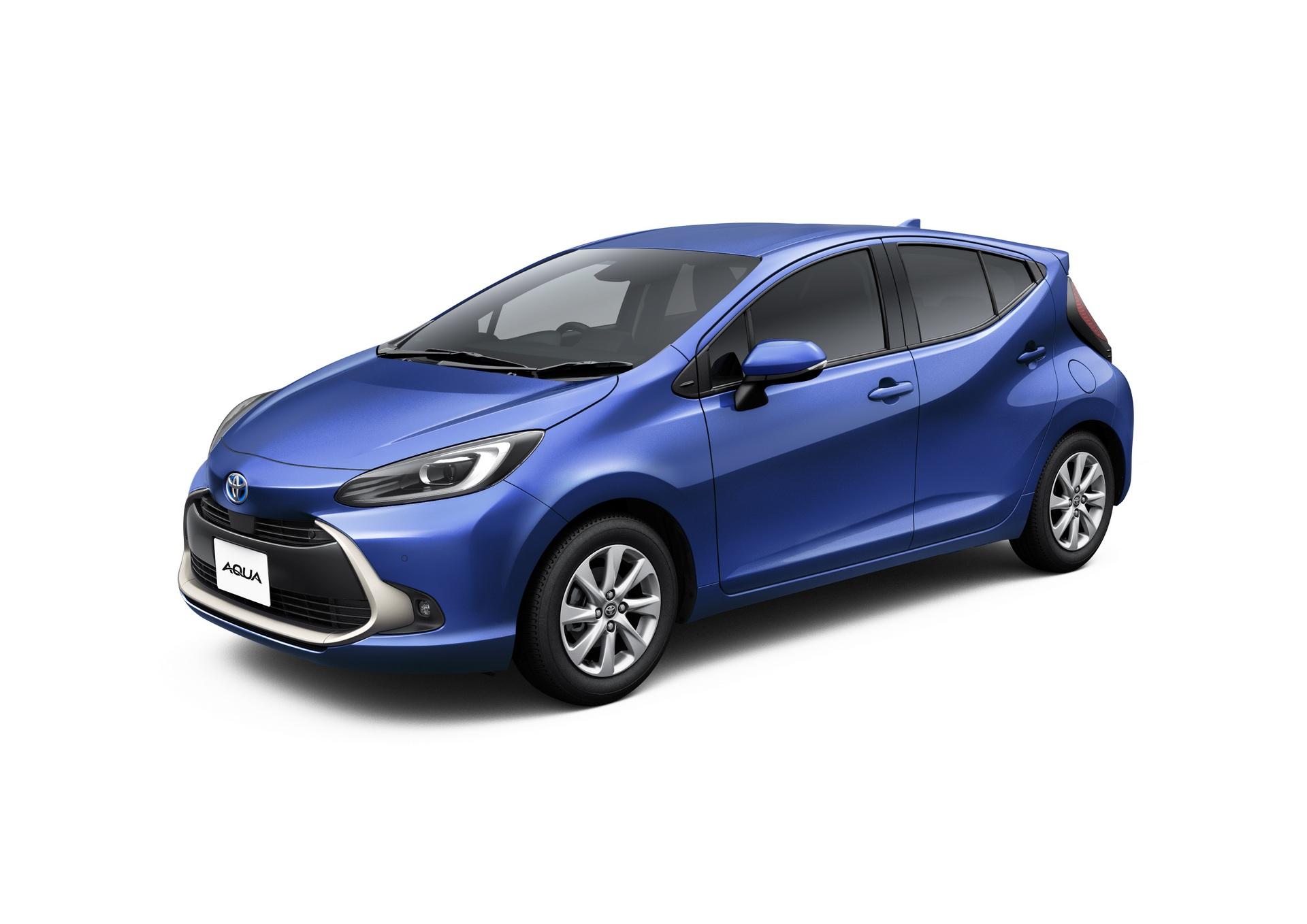 2022-Toyota-Aqua-56