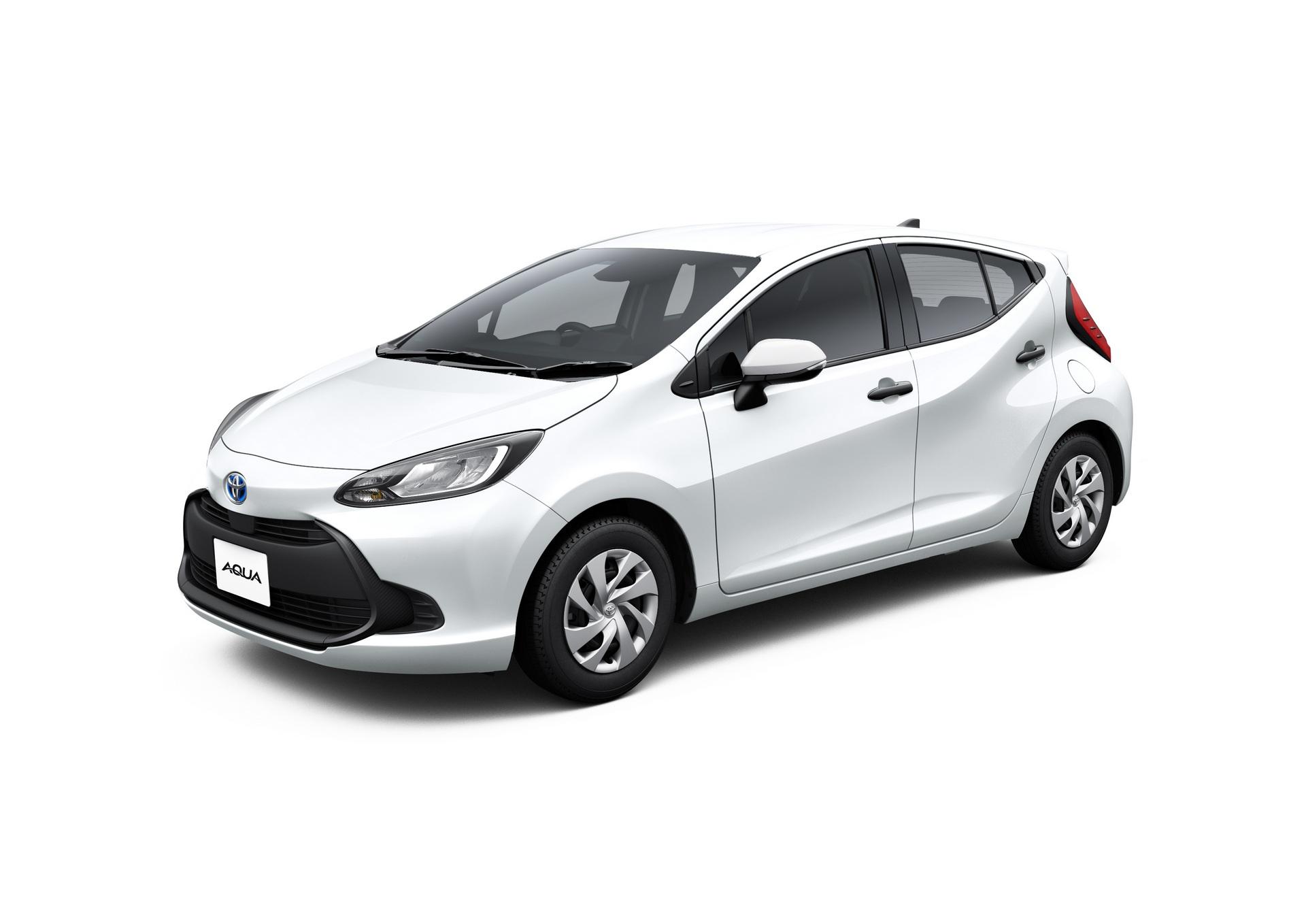 2022-Toyota-Aqua-57