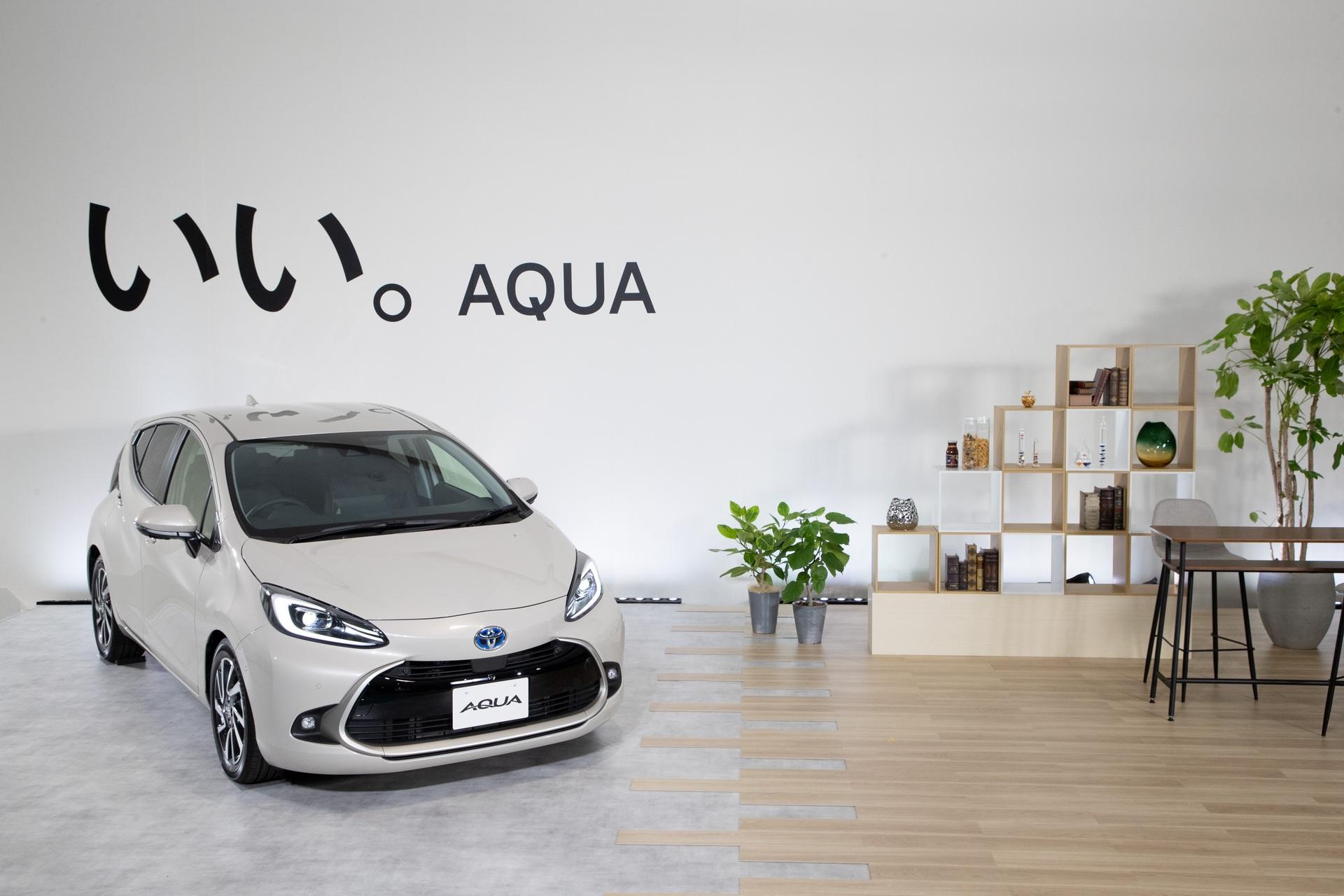 2022-Toyota-Aqua-70