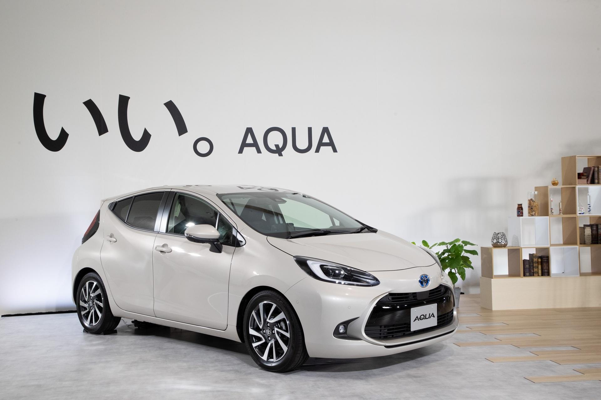 2022-Toyota-Aqua-71