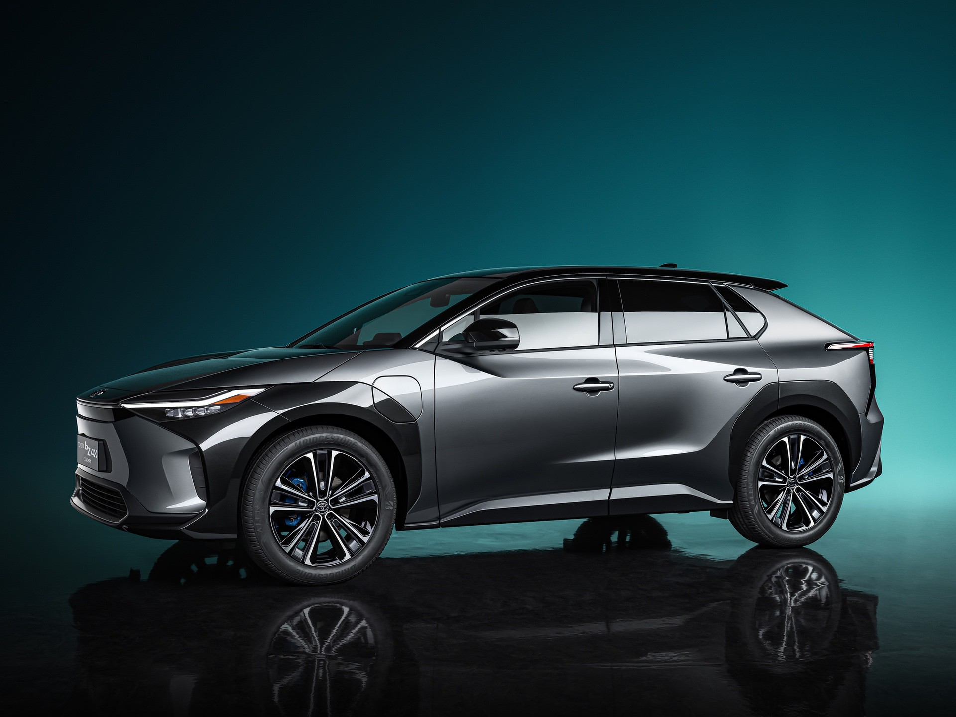 2022_Toyota_bZ4X-0000