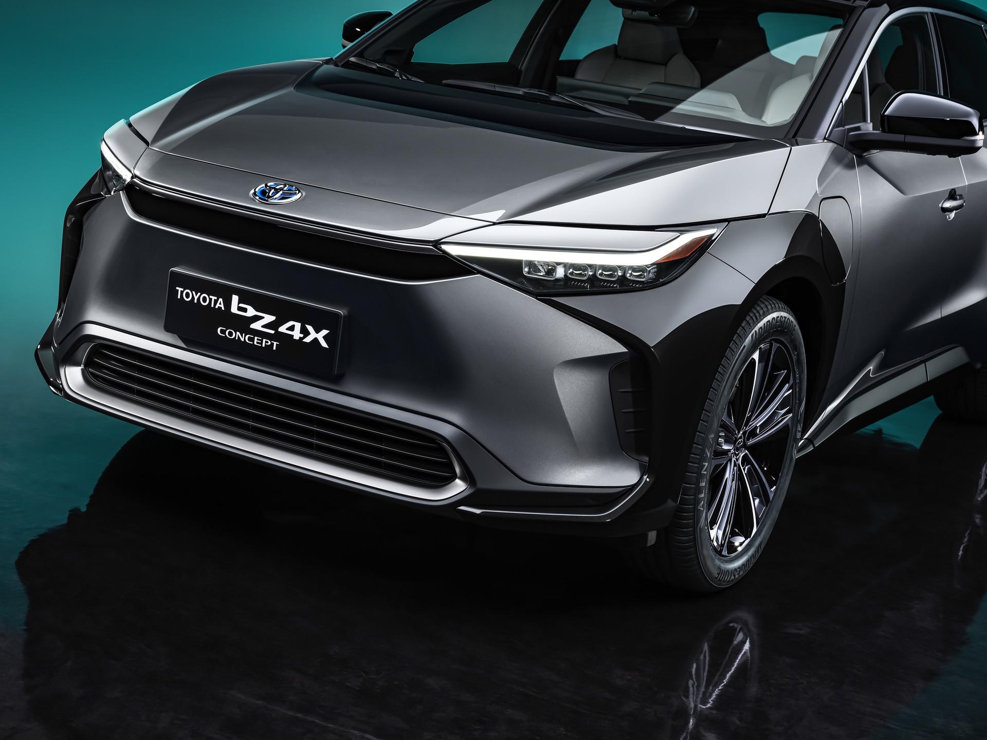 2022_Toyota_bZ4X-0002