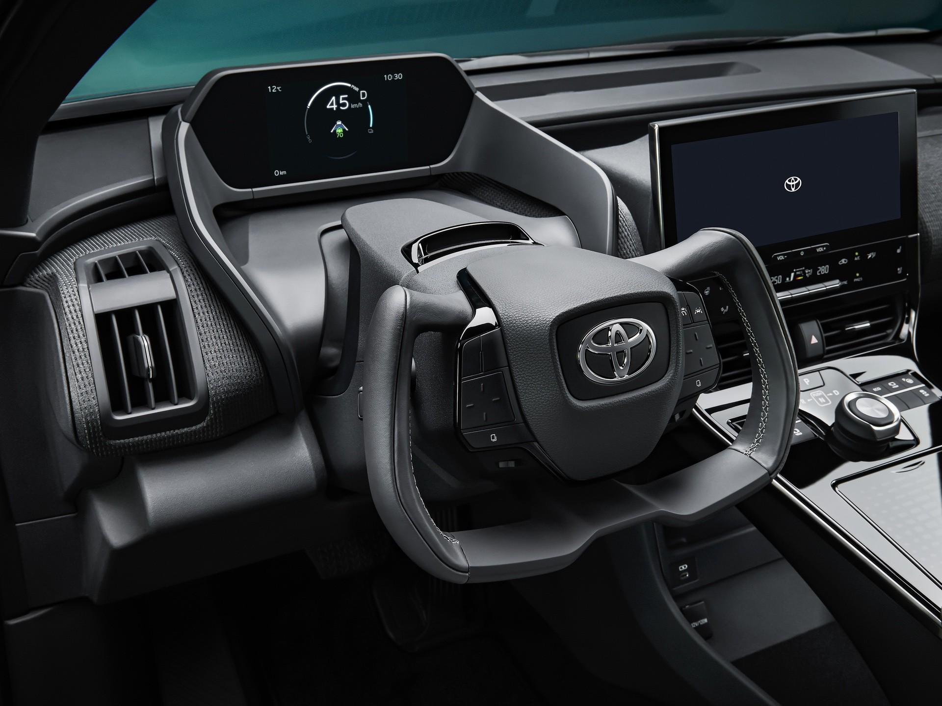 2022_Toyota_bZ4X-0011