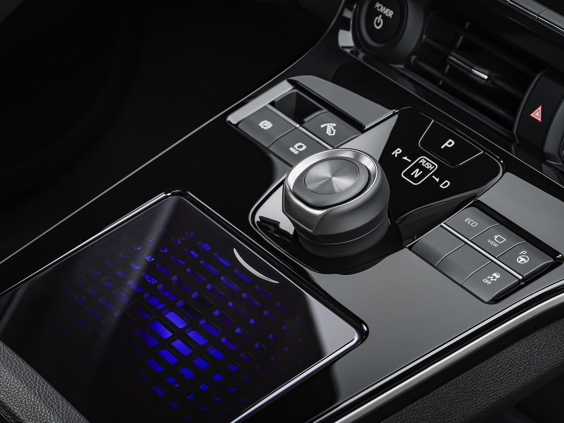 2022_Toyota_bZ4X-0012