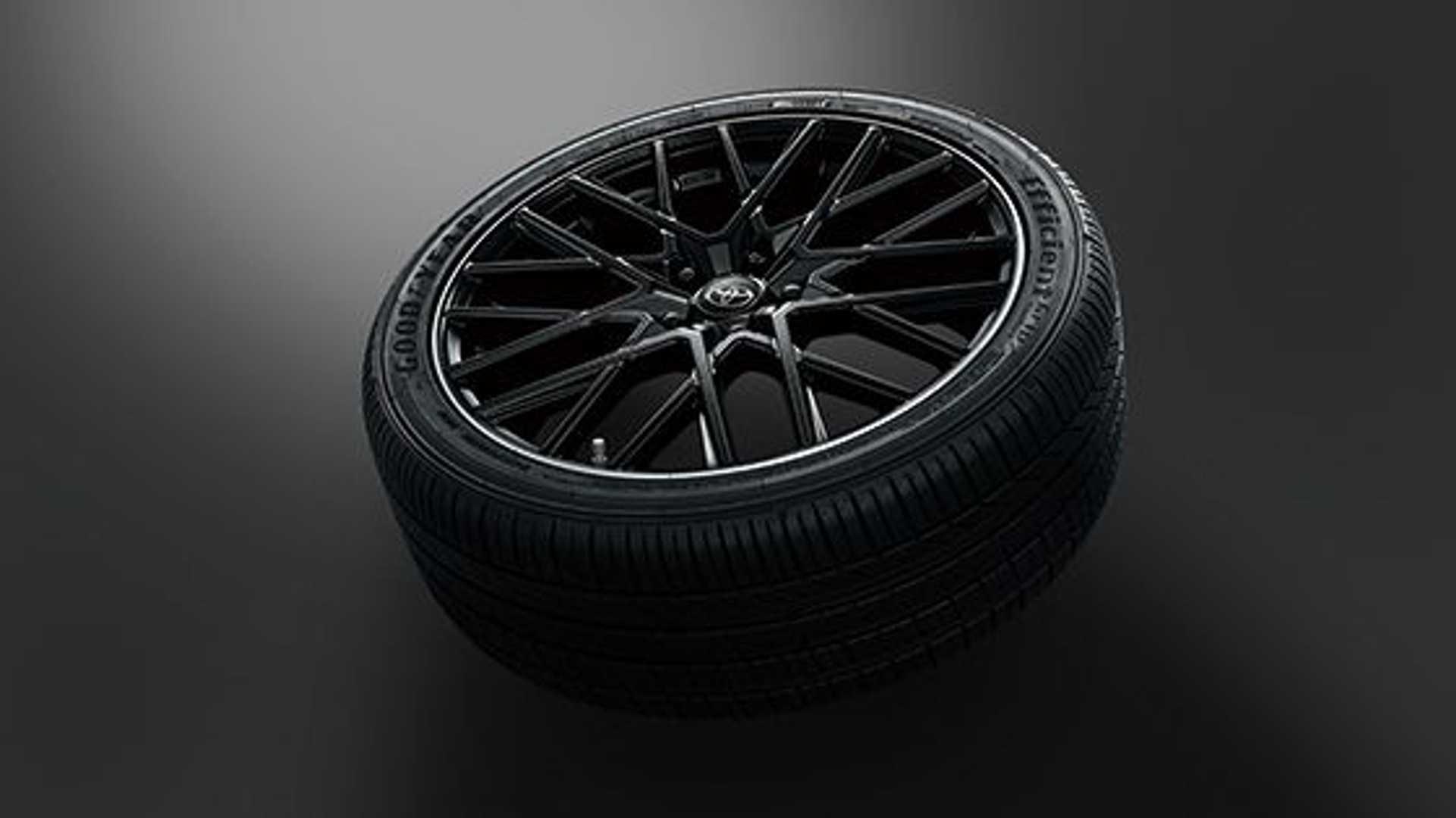 toyota-camry-gr-19-inch-wheel