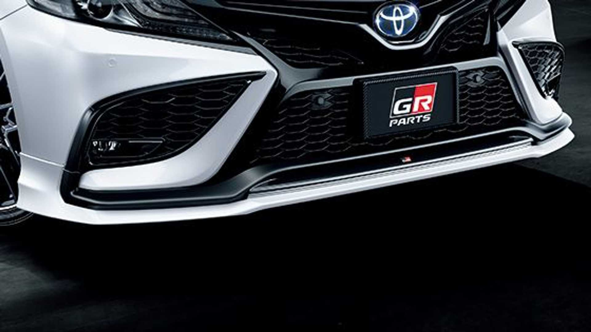 toyota-camry-gr-front-fascia
