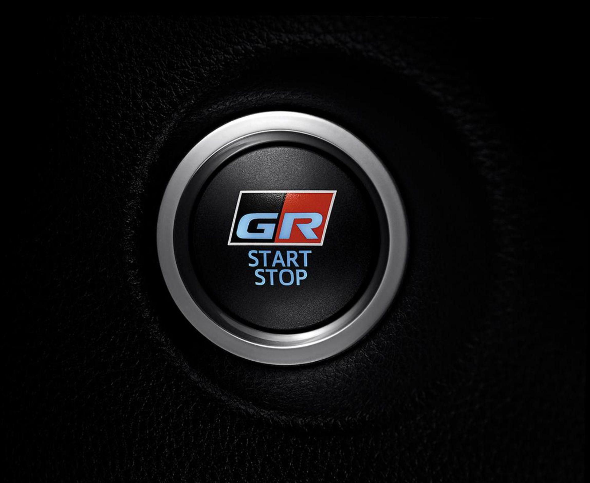Toyota-Corolla-Cross-GR-Sport-12