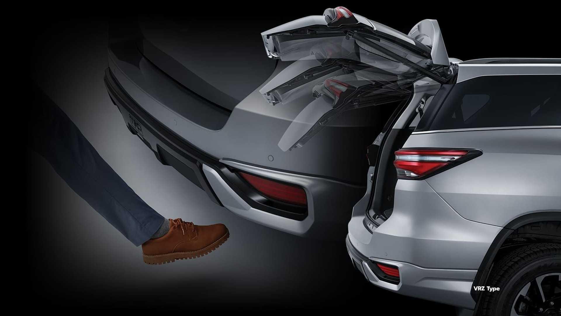 Toyota-Fortuner-GR-Sport-21