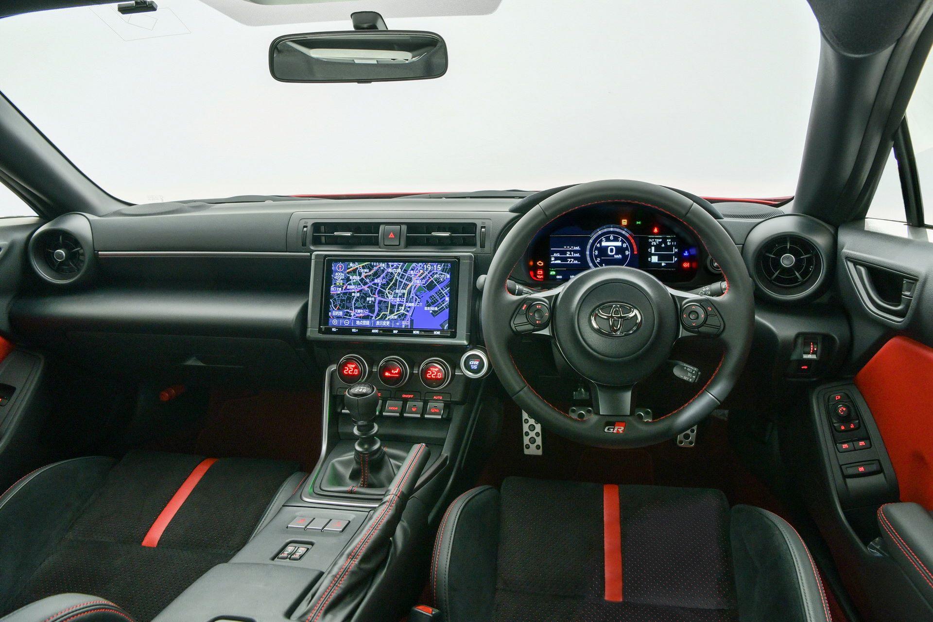 2022-Toyota-GR-86-8-1