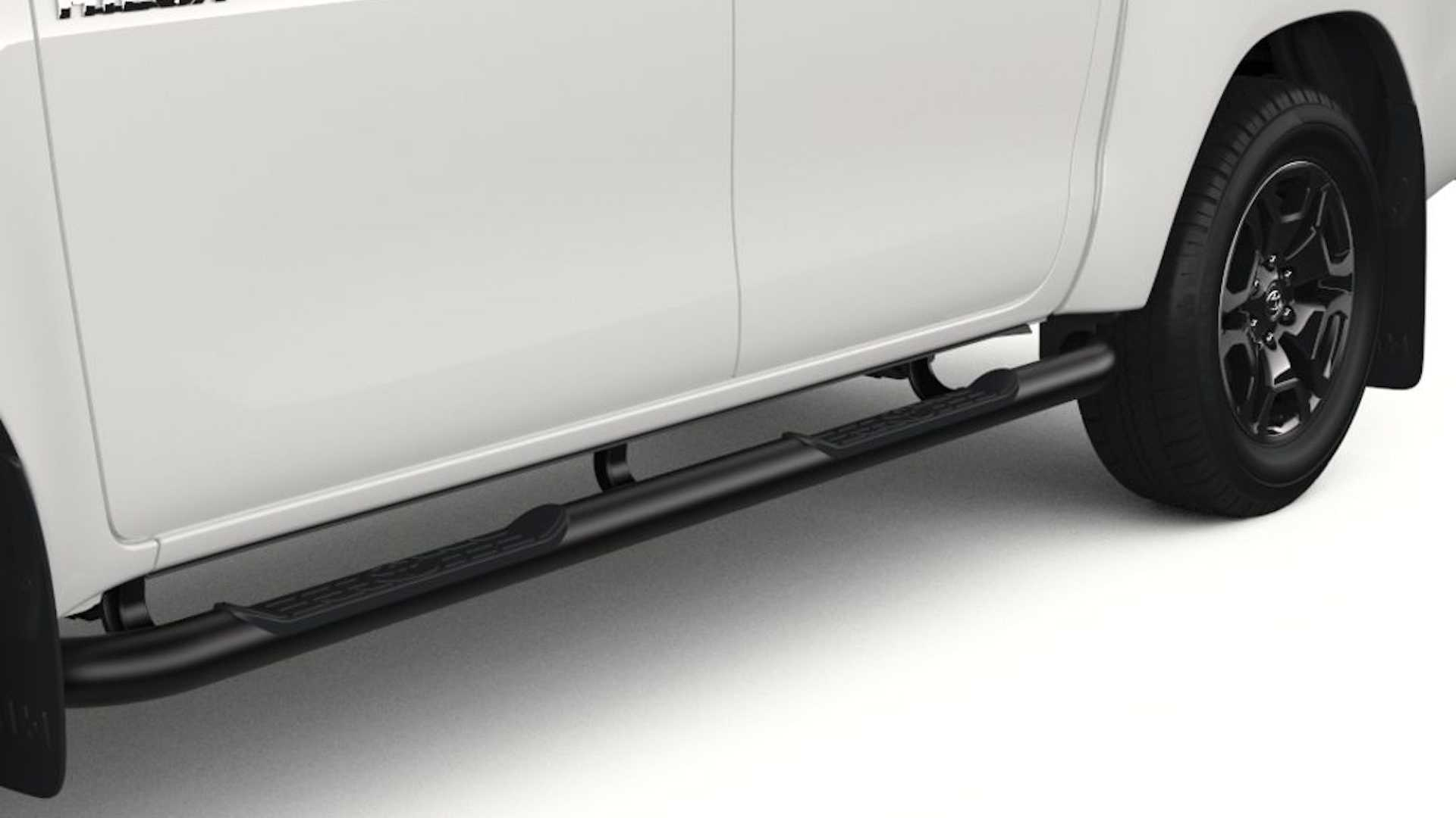 Toyota-Hilux-accessories-3