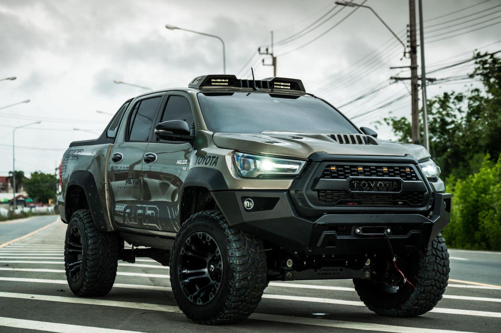 Toyota-Hilux-Pathfinder-by-RAD-15