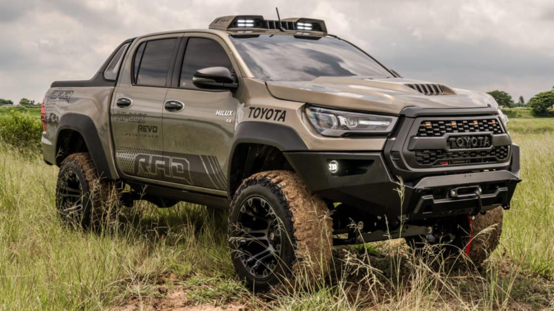 Toyota-Hilux-Pathfinder-by-RAD-3