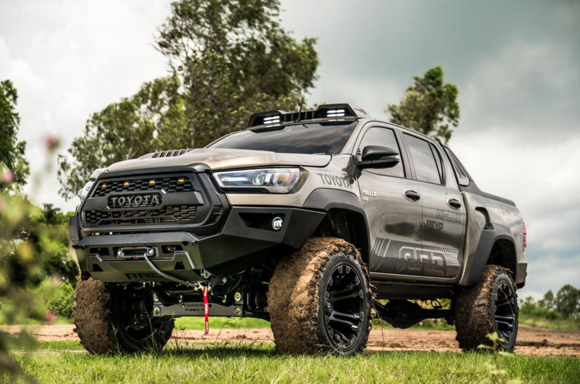Toyota-Hilux-Pathfinder-by-RAD-4