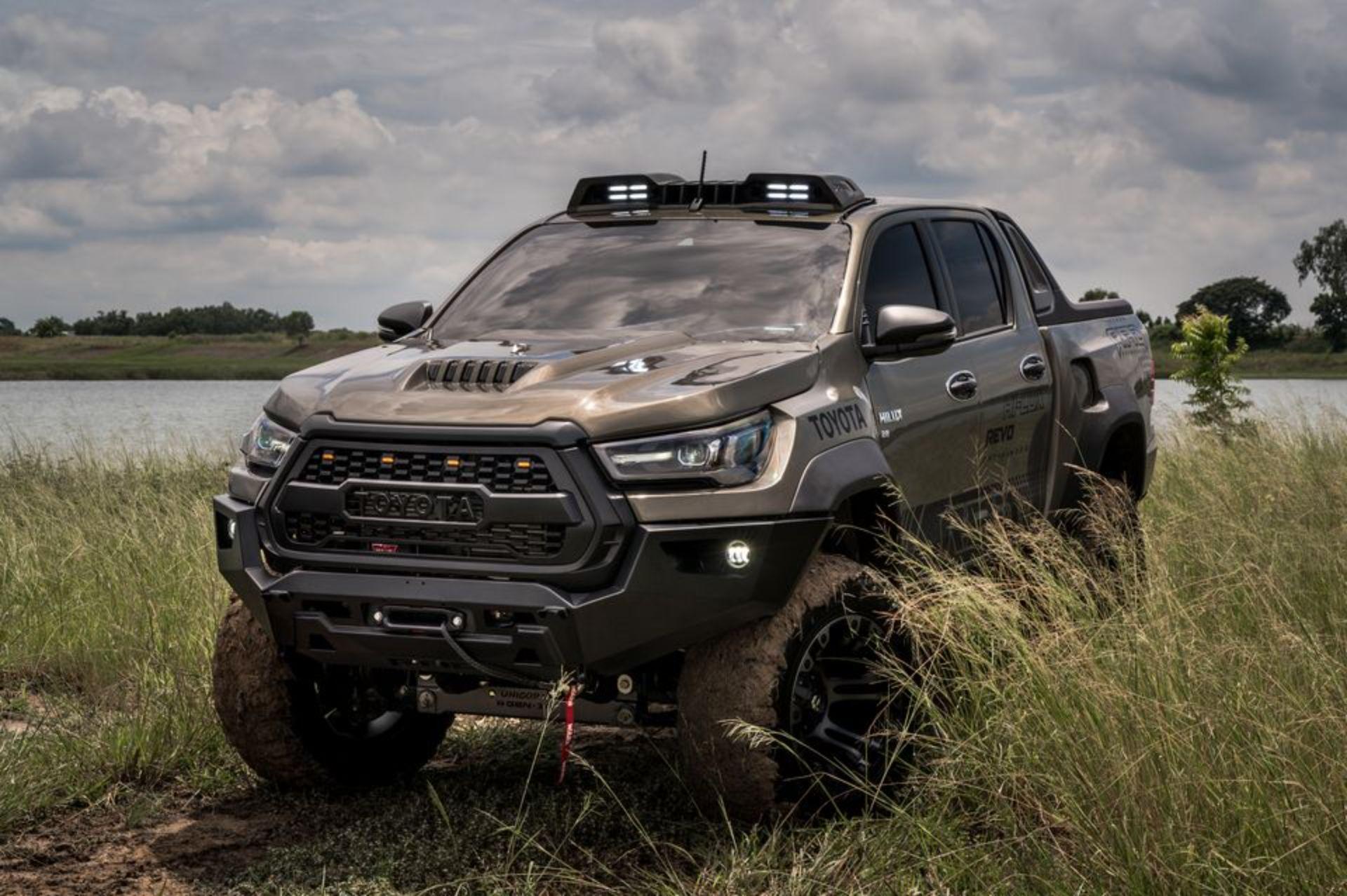 Toyota-Hilux-Pathfinder-by-RAD-5
