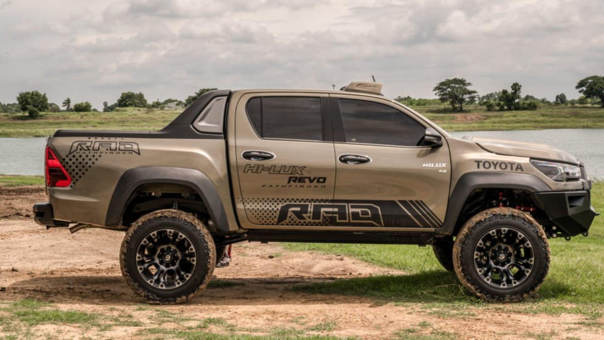 Toyota-Hilux-Pathfinder-by-RAD-6