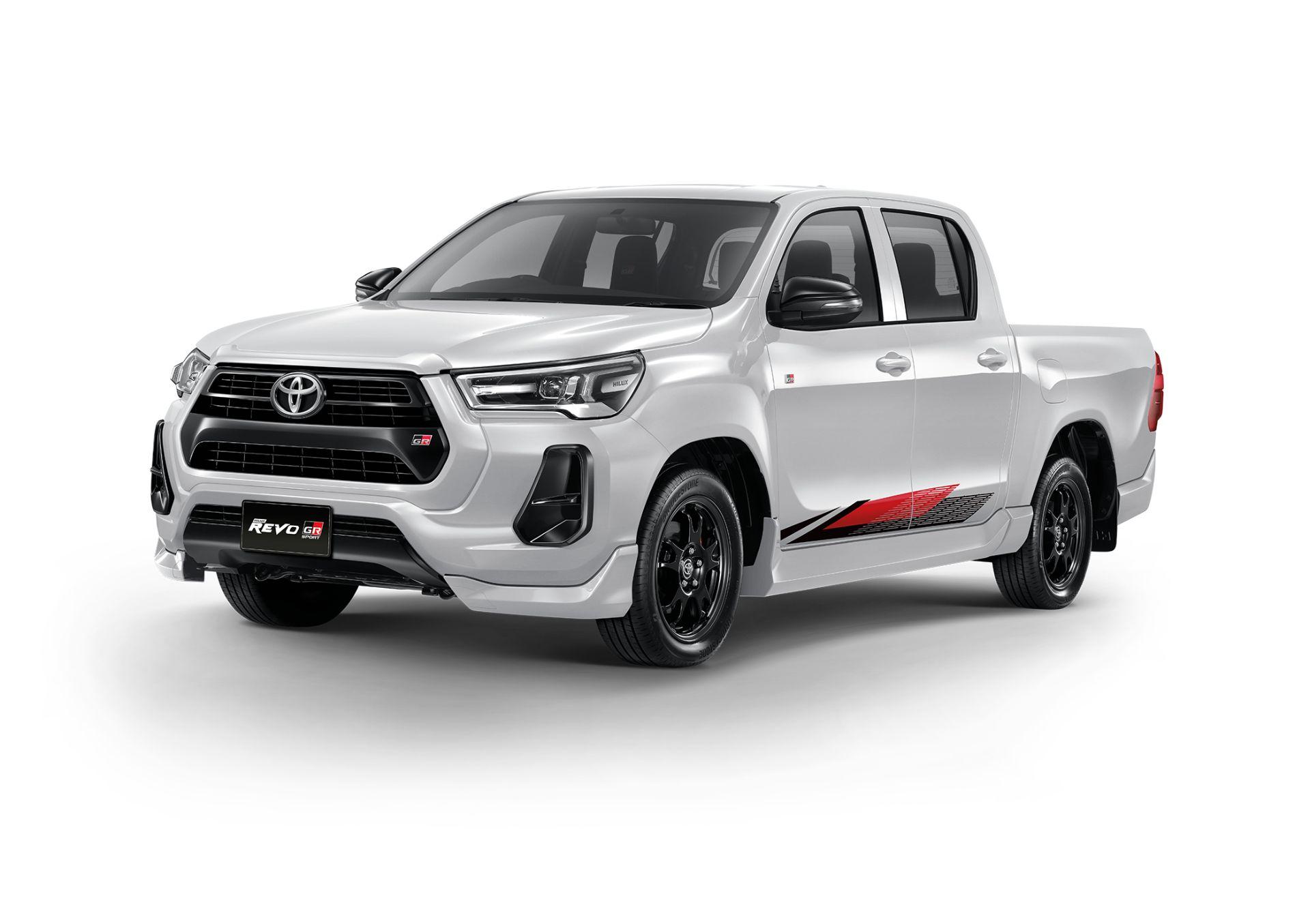 Toyota-Hilux-Revo-GR-Sport-10