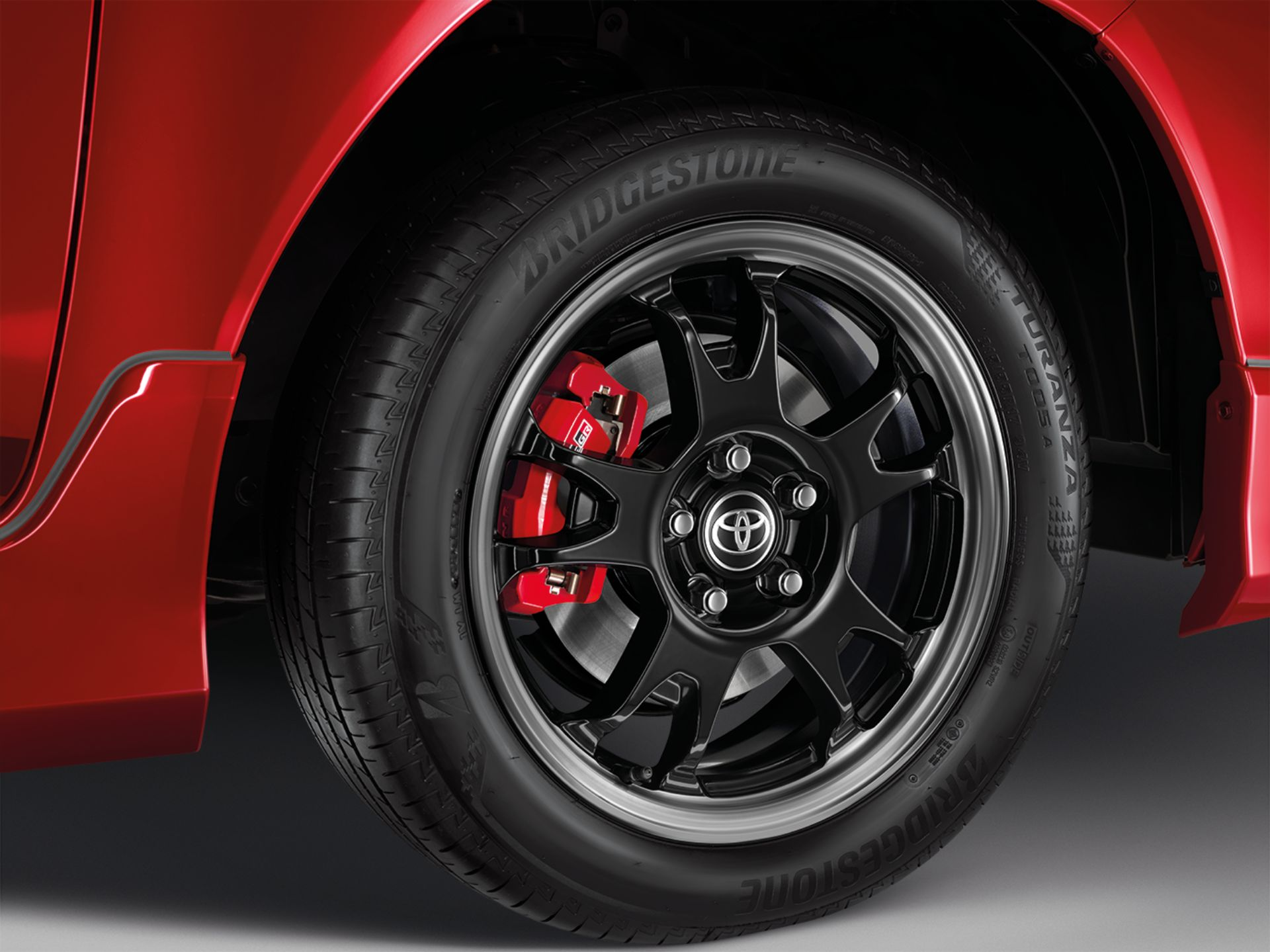 Toyota-Hilux-Revo-GR-Sport-34