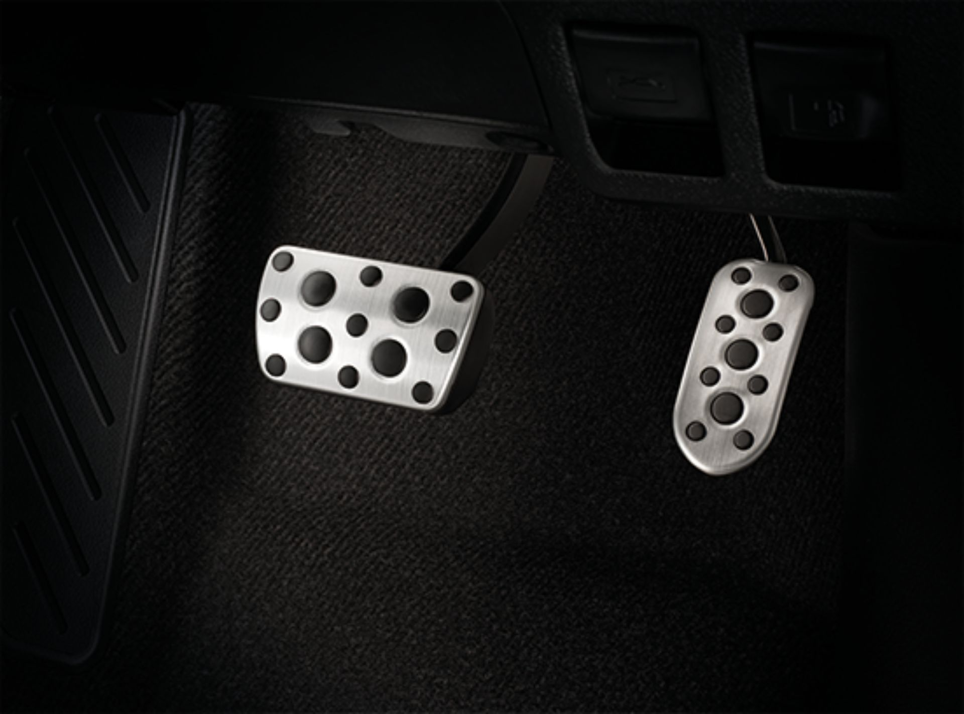 Toyota-Hilux-Revo-GR-Sport-40