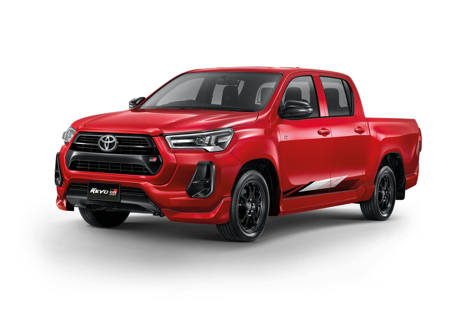 Toyota-Hilux-Revo-GR-Sport-9