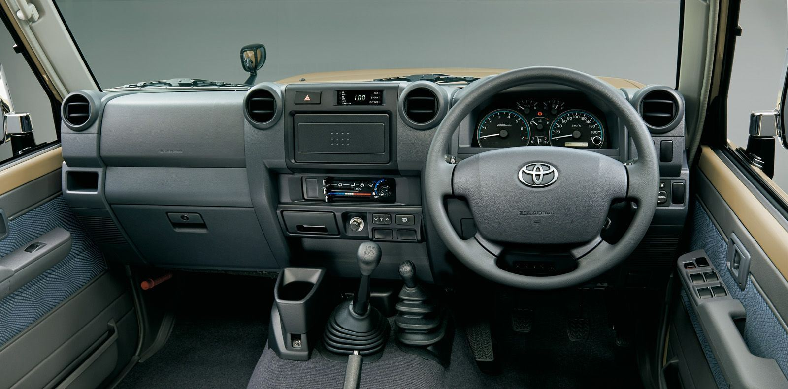 Toyota-Land-Cruiser-70-Series-1