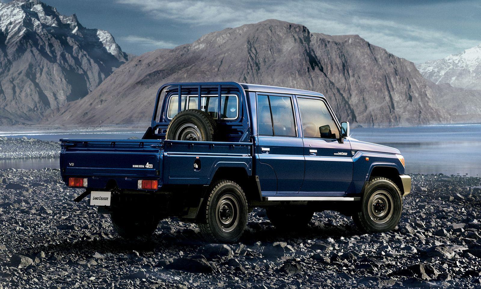 Toyota-Land-Cruiser-70-Series-17