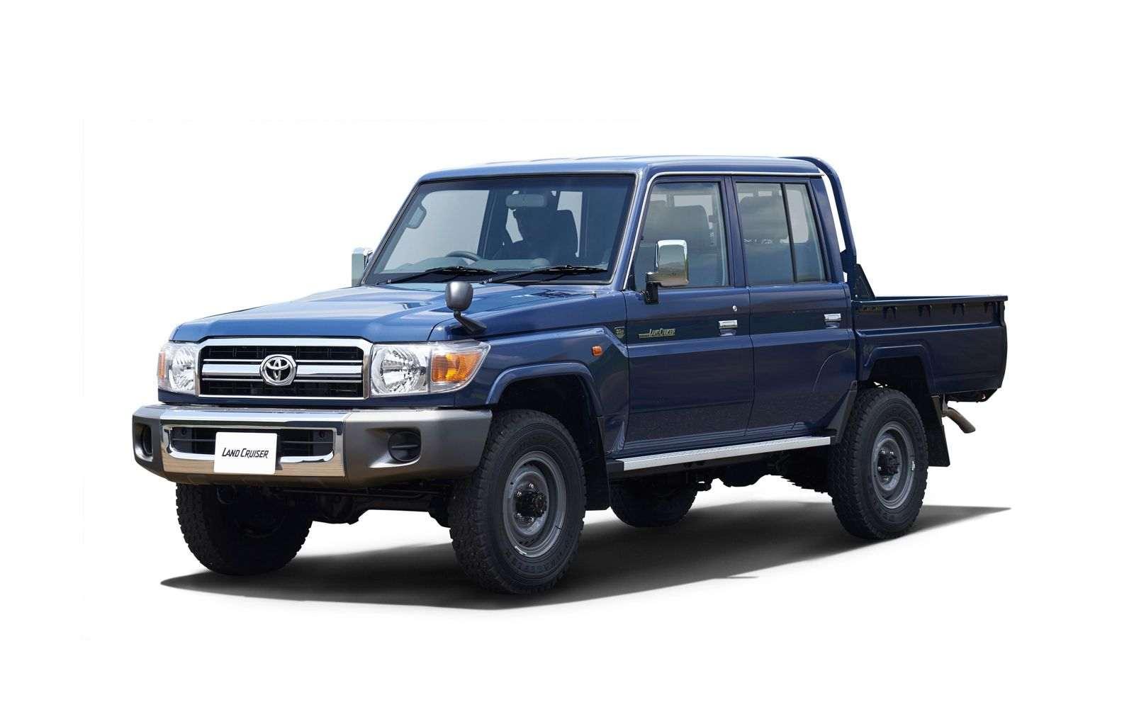 Toyota-Land-Cruiser-70-Series-23