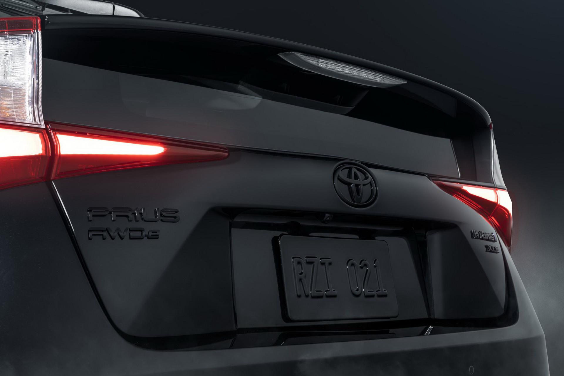 Toyota-Prius-Nightshade-Edition-10