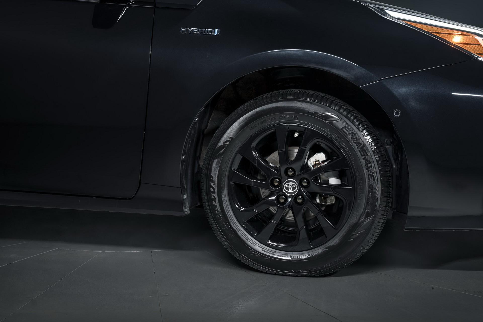 Toyota-Prius-Nightshade-Edition-15