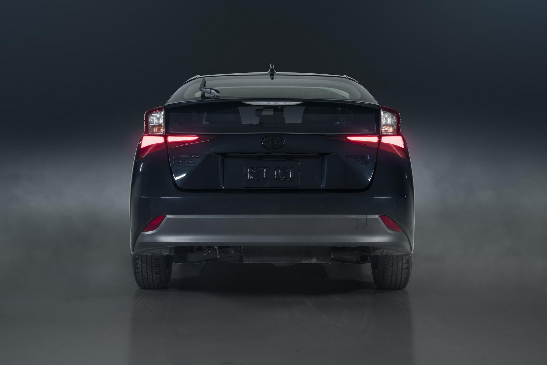 Toyota-Prius-Nightshade-Edition-7