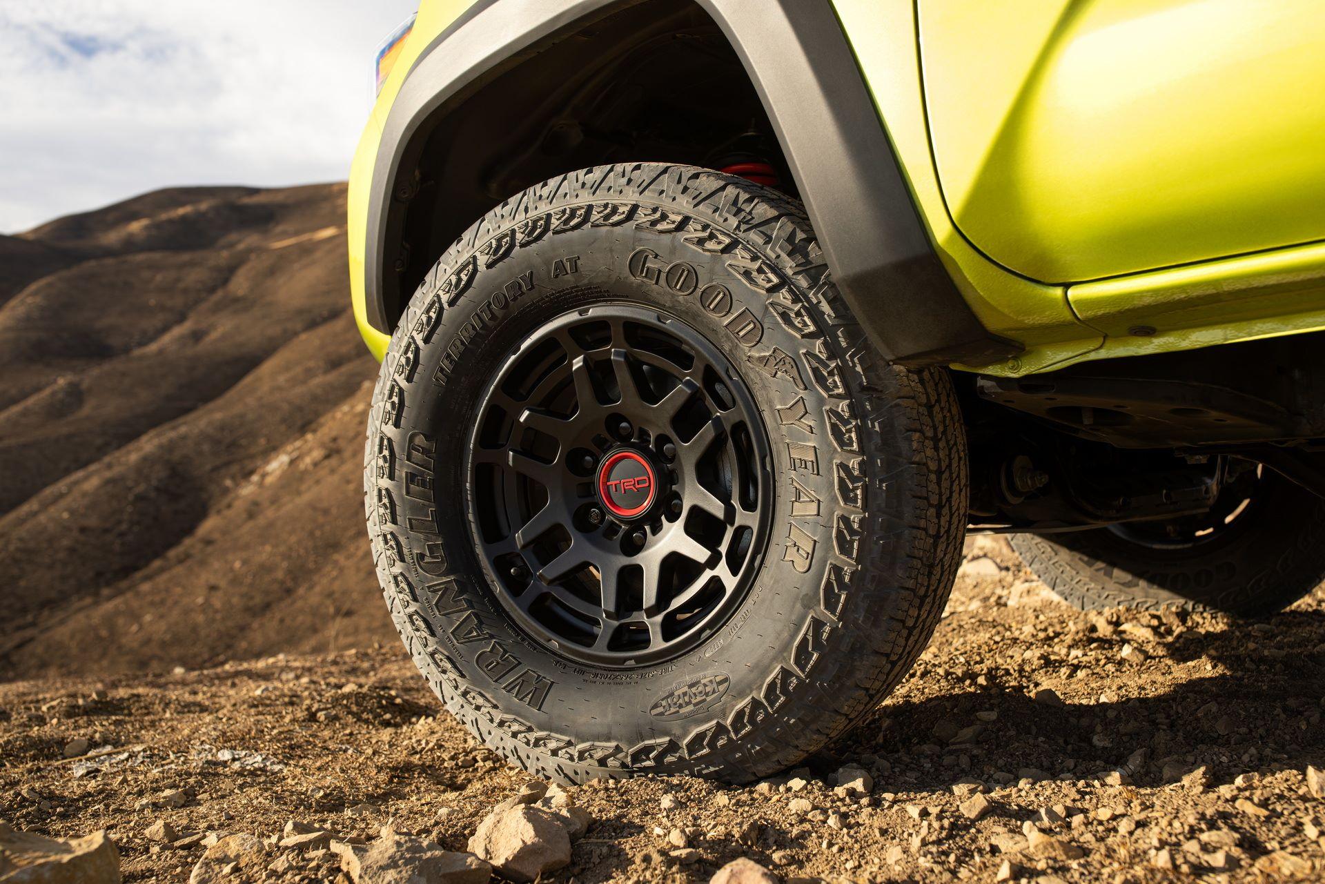 Toyota-Tacoma-TRD-Pro-and-Tacoma-Trail-Edition-16