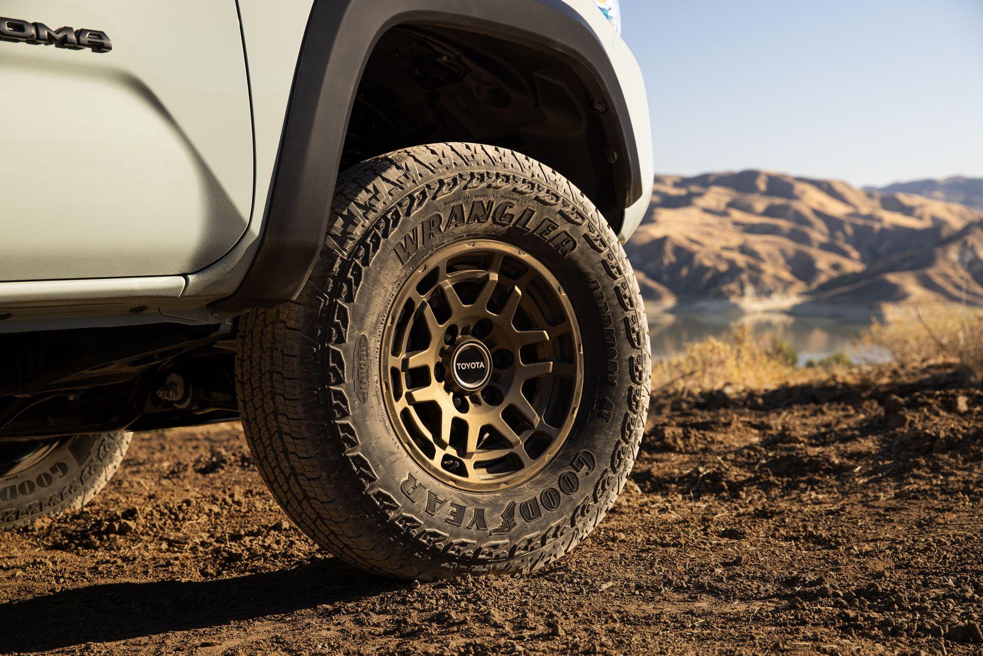 Toyota-Tacoma-TRD-Pro-and-Tacoma-Trail-Edition-3