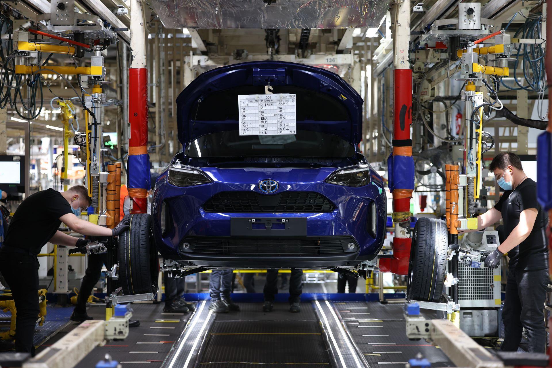 Toyota-Yaris-Cross-plant-1