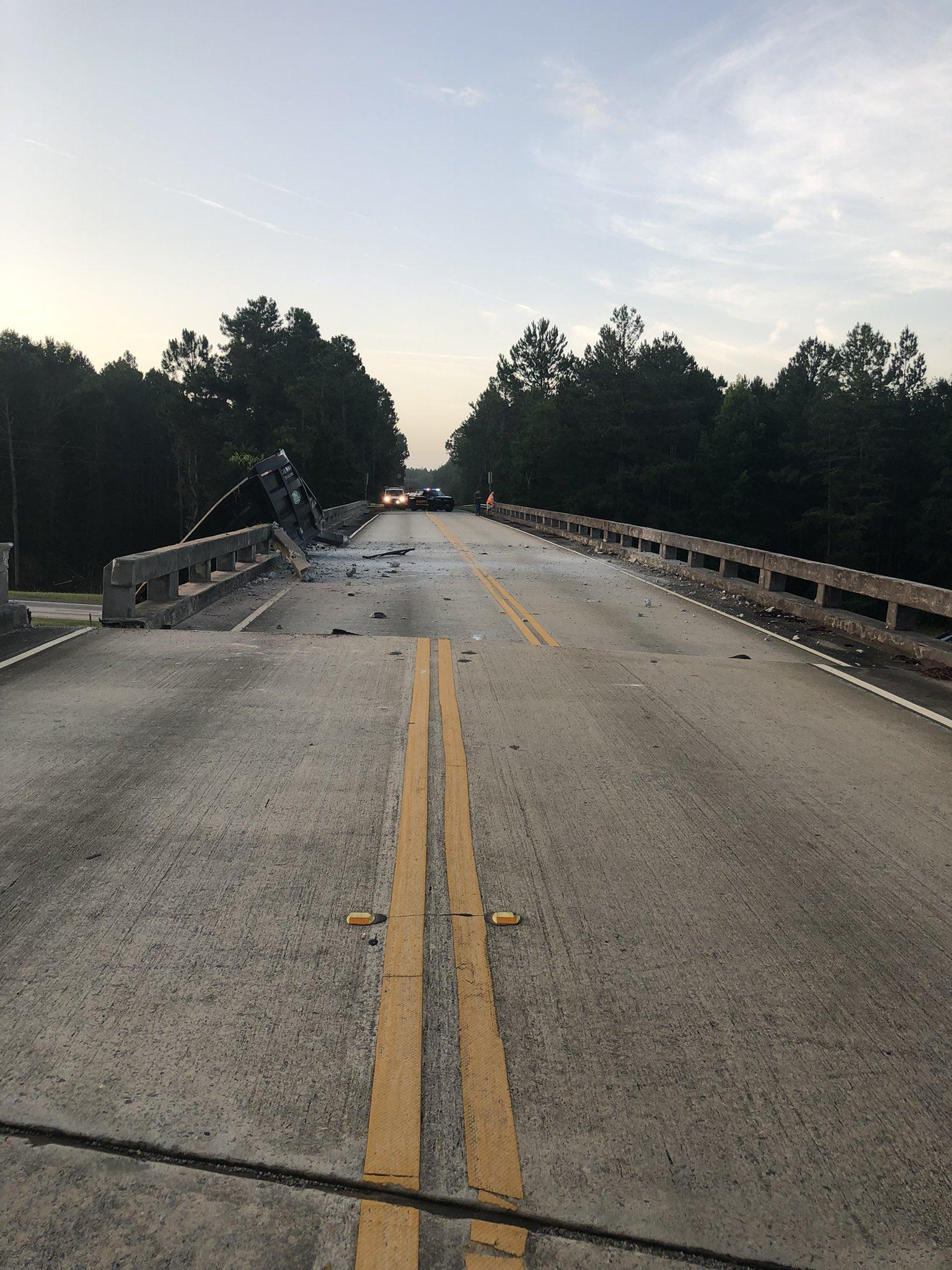 truck-bridge-crash-2