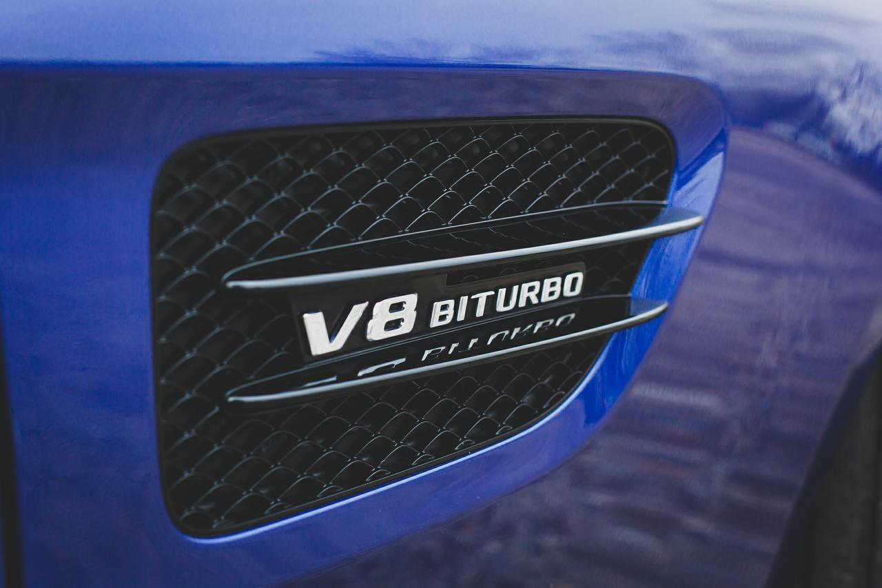 Valtteri-Bottas-Mercedes-AMG-GT-S-10