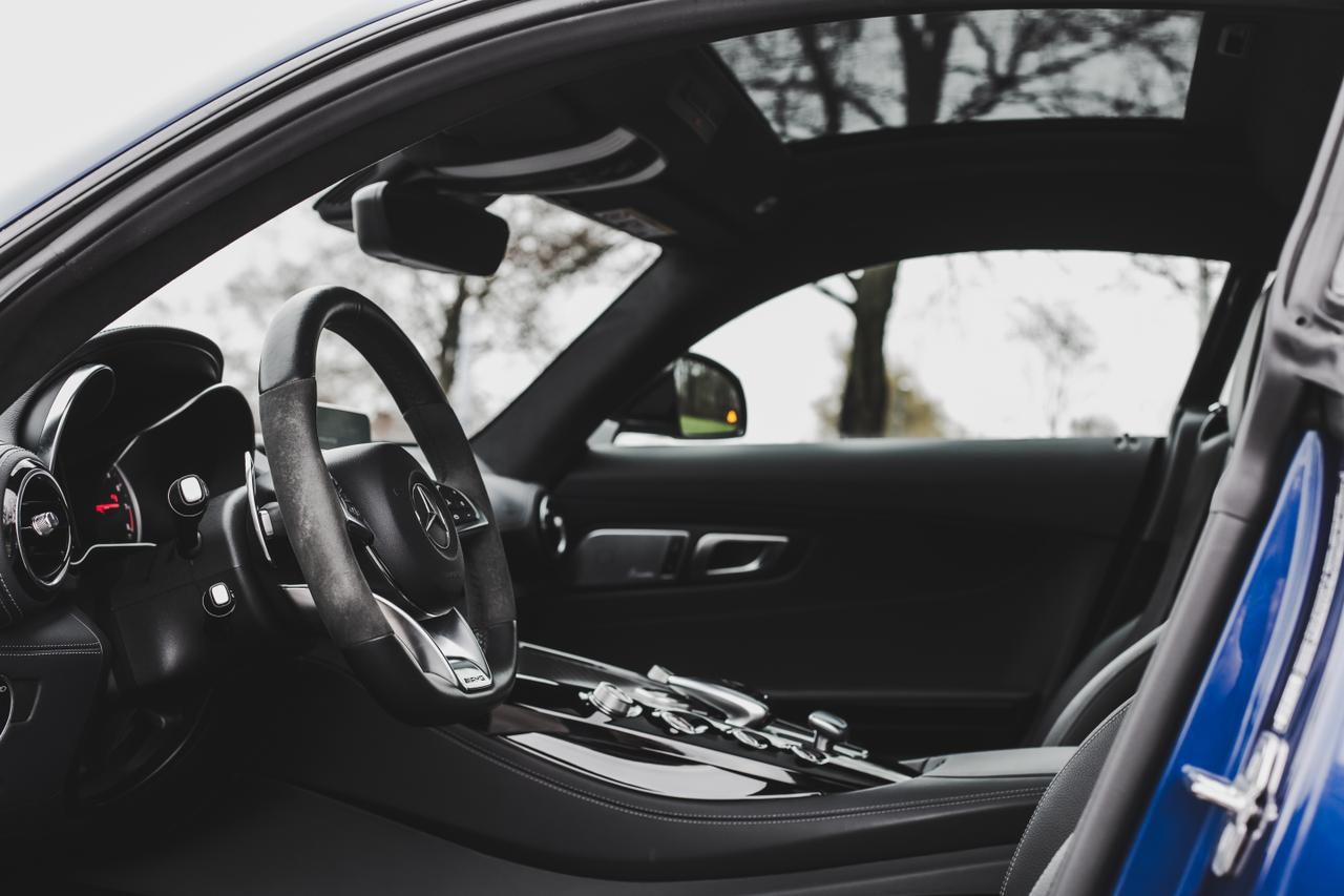 Valtteri-Bottas-Mercedes-AMG-GT-S-13