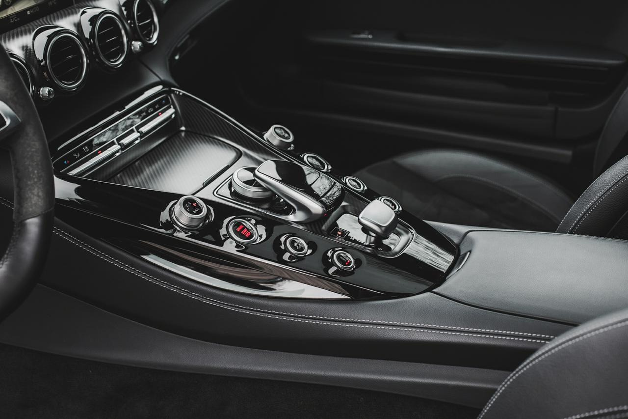 Valtteri-Bottas-Mercedes-AMG-GT-S-14
