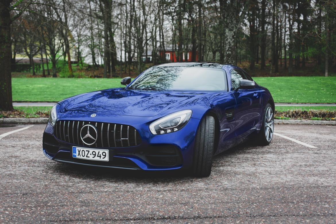 Valtteri-Bottas-Mercedes-AMG-GT-S-2