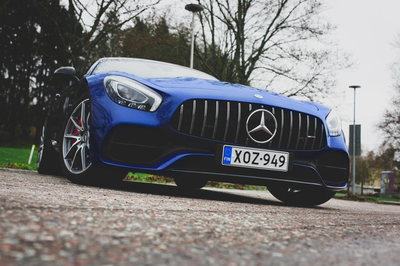 Valtteri-Bottas-Mercedes-AMG-GT-S-6