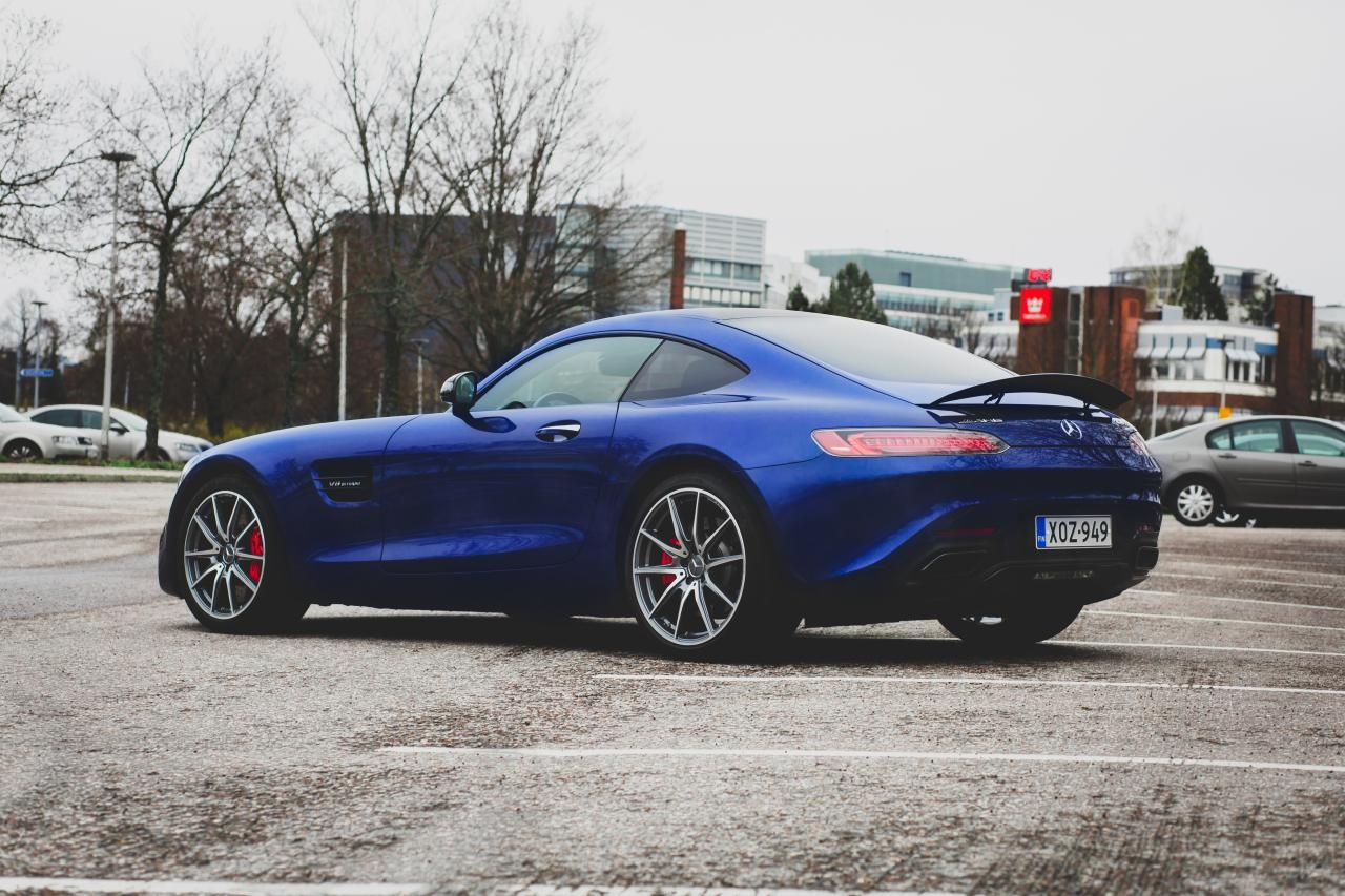 Valtteri-Bottas-Mercedes-AMG-GT-S-7