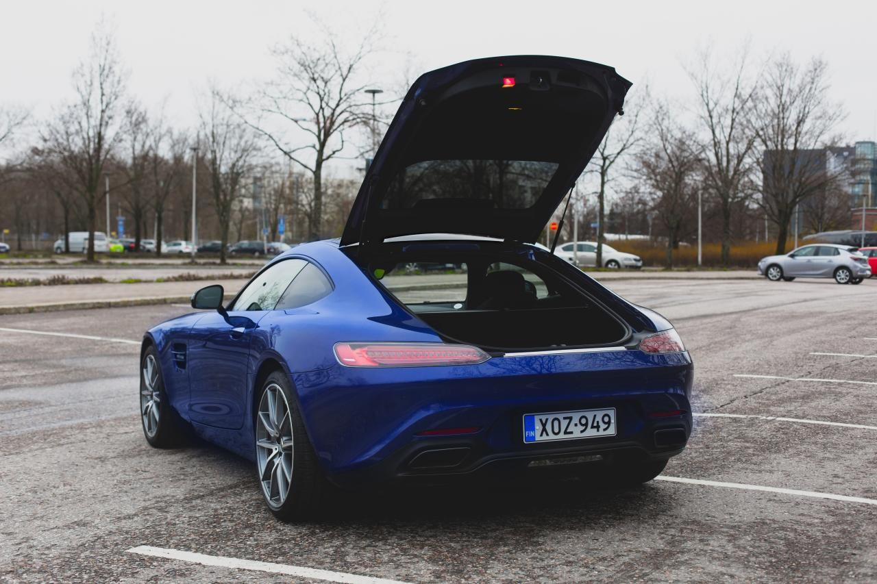 Valtteri-Bottas-Mercedes-AMG-GT-S-8