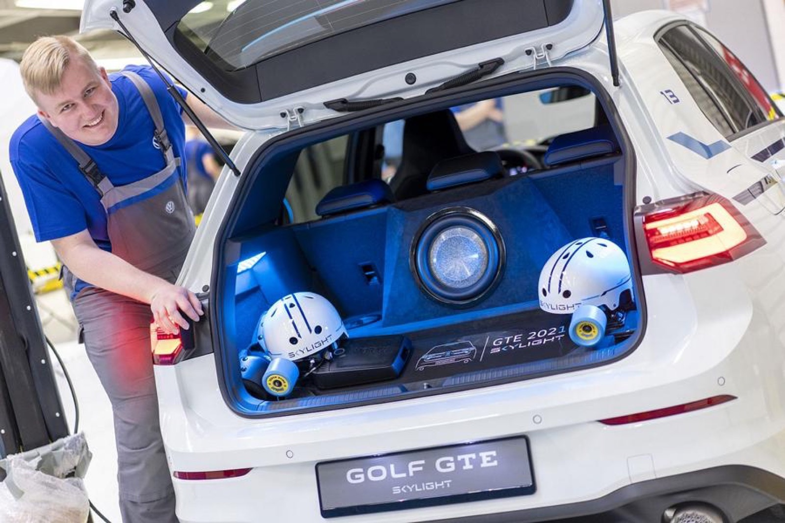 Volkswagen_Golf_GTE_Skylight-0004