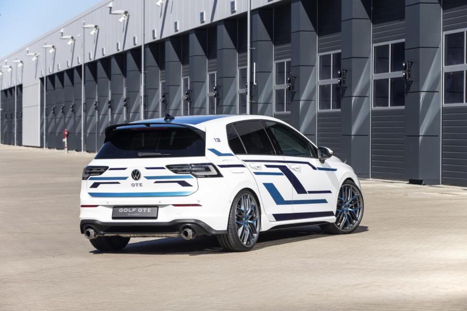 Volkswagen_Golf_GTE_Skylight-0007